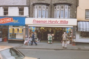 Freeman Hardy & Willis outlet in Porthmadog (1987)